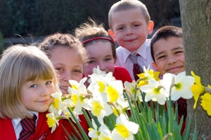 Children with daffodils
