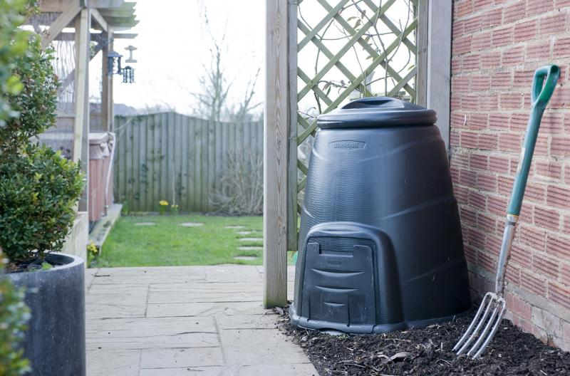 web1356-compost-bin-with-garden-fork-and-trellis-web-version-72ppi.jpg